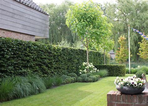 zithoek cer moderne tuin castricum maarten admiraal tuinvorming