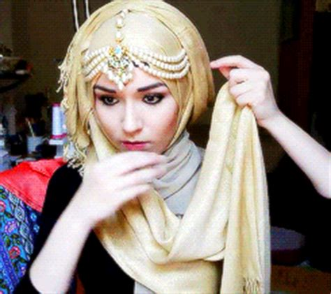 tutorial hijab gif muslim gif find share on giphy