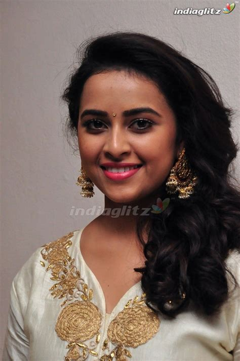 telugu photos ideas sri divya telugu actress image gallery abdul hameed