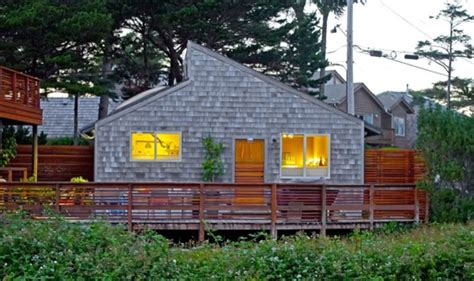 Oceanside Cottages by 450 Sq Ft Cannon Cottage