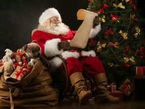 imagenes de santa claus entregando regalos myths about santa claus boldsky com