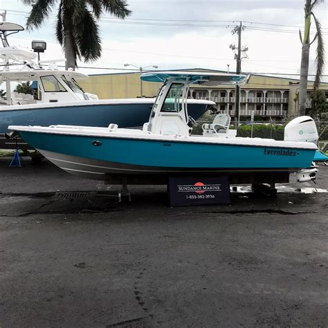 everglades boats facebook everglades 255cc a center console with all the trimmings