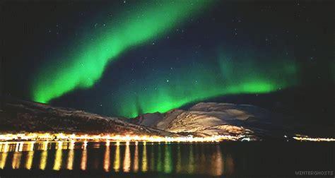 Landscape Gif Northern Lights Landscape Gif Find On Giphy
