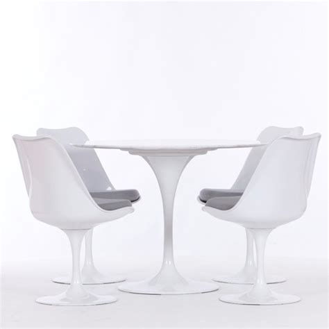 Eero Saarinen Style Tulip Dining Set 42 Quot Table And 4 Chairs Tulip Dining Table And Chairs