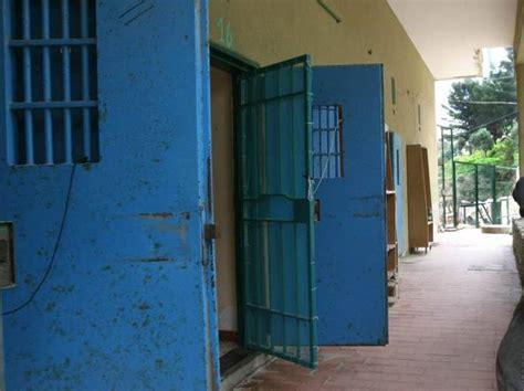 casa circondariale di frosinone frosinone carcere ferie revocate al personale di