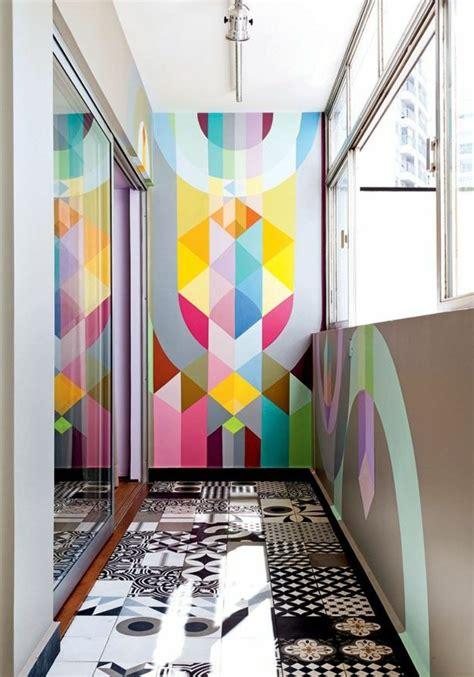 Attrayant Couleur De Mur Pour Chambre #3: 1-papier-peint-coloré-carrelage-sur-le-sol-de-couleur-blanc-noir-dans-le-couloir.jpg