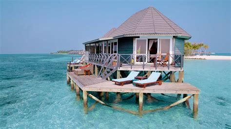 Island Resort Kuredu Island Resort Spa A Kuoni Hotel In Maldives
