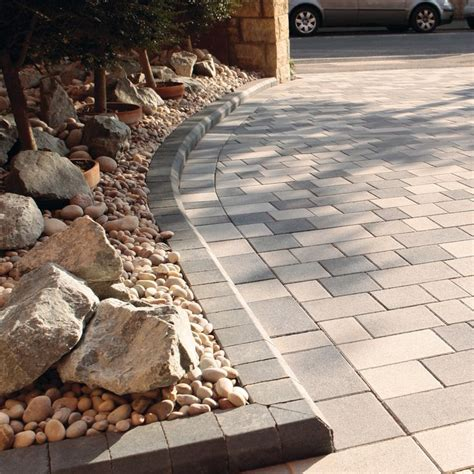 Cheap Garden Paving Ideas Best 25 Driveway Ideas Ideas On Stones For Driveway Cobblestone Pavers And Diy