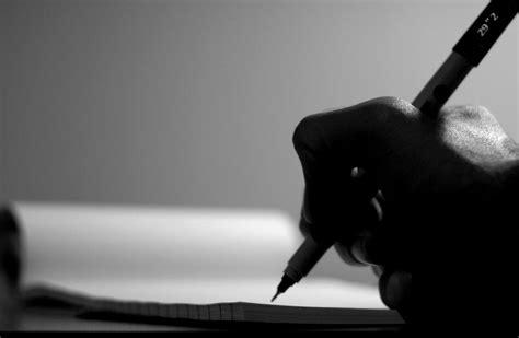 walapun gila sri mulyani  bisa buat puisi