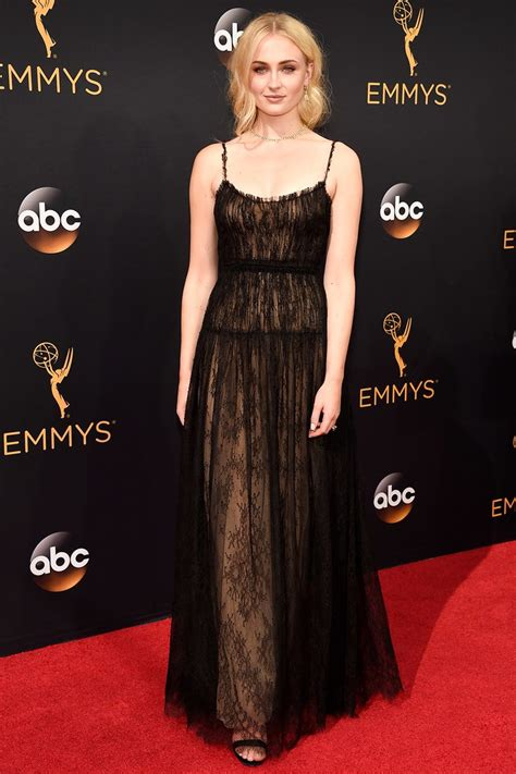 tracee ellis ross yooying the women of game of thrones invade the 2016 emmys red