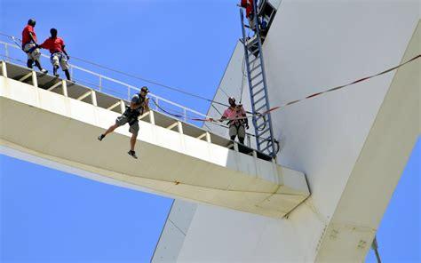 bungee swing big rush the world s tallest bungee swing