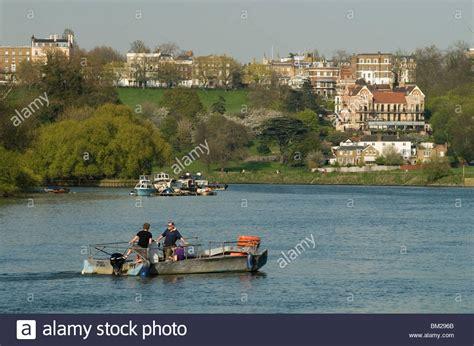 thames river ferry richmond hammertons hammerton ferry across river thames at richmond