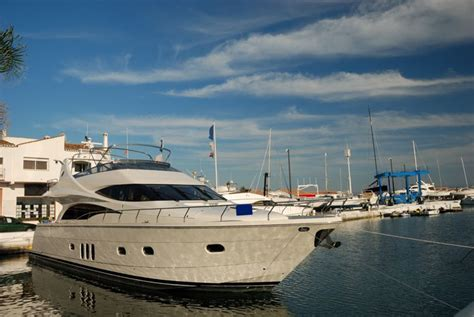 boat hotel definition high definition content streamed straight to your luxury yacht
