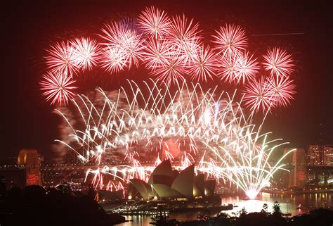 new year in sydney sydney new year s 2016 the best events and fireworks vantage points to celebrate