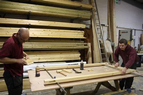 porta di legno come fare una porta in legno legno porte fai da te