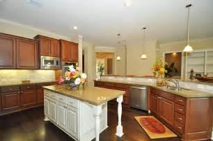 Breakfast Bar Kitchen Islands by Free Standing Kitchen Island With Breakfast Bar Hostyhi Com