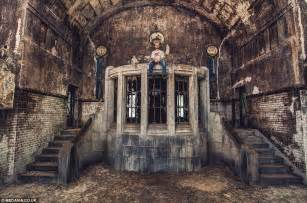 Abandoned Buildings by Photographer Captures The Grand Abandoned Buildings Of