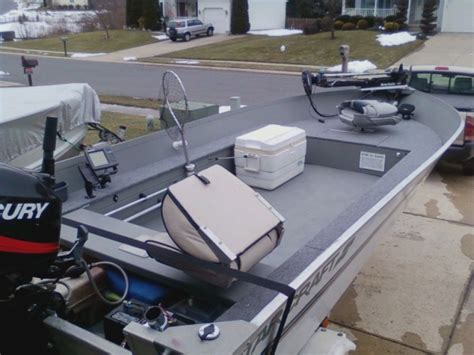 do crestliner boats have wood floors looking for help in rigging and converting a utility v