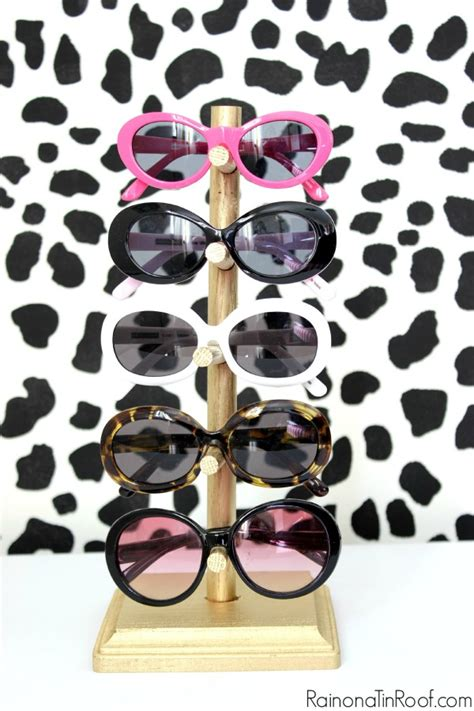 Sunglasses Rack Diy by Diy Sunglasses Holder For 5