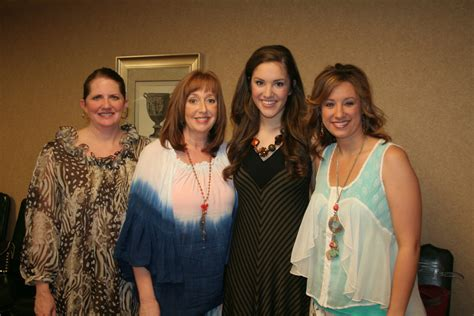 are brandy clark and terri clark related is brandy clark related to terri clark
