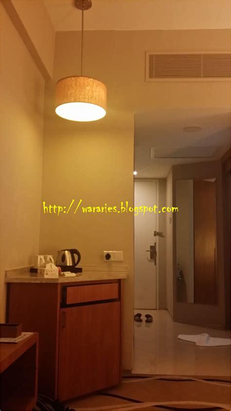 Meja Foyer wararies hiasan dan susun atur bilik di the zenith kuantan