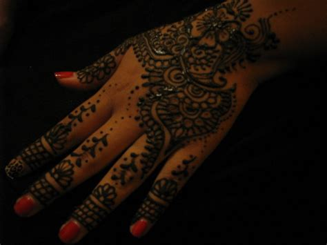 henna tattoo artists milwaukee mehndi still trendy where to get a henna in