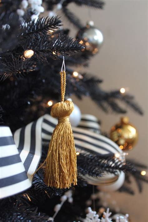 Black And White Tree Decorations by Gorgeous Black Tree Decoration Ideas