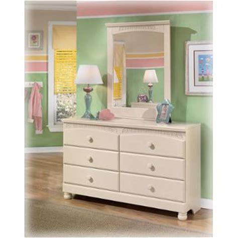 cream cottage bedroom furniture b213 35 ashley furniture bedroom mirror