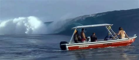 small boat in big waves manic monday video big wave hits boat boats