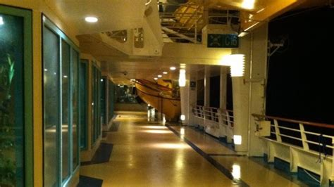 explorer of the seas deck 9 cruise critic giant wave hits royal caribbean cruise ship explorer of