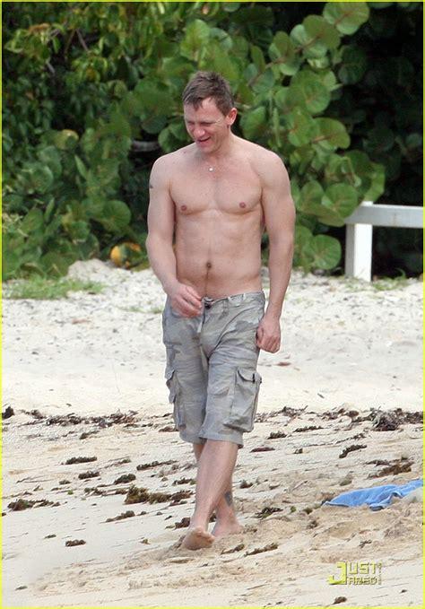 daniel craig  st barts beach buff photo  andy cohen bikini daniel craig satskui
