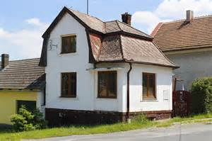 small house in file 218 jezd u cerhovic small house jpg wikimedia commons