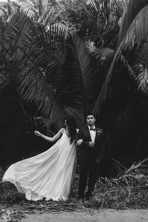 8 Cool Destination Weddings by Effortlessly Cool Destination Wedding In Sayulita Mexico