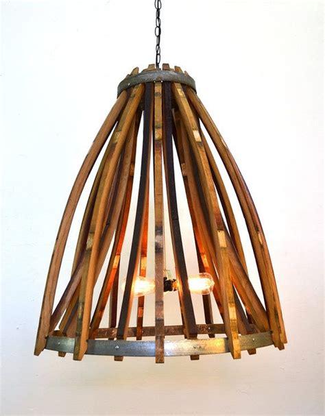 Beleuchtung Ecke by Die Besten 25 Wine Barrel Chandelier Ideen Auf