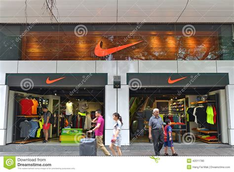 sport shoes usa store nike store editorial image image 42011780
