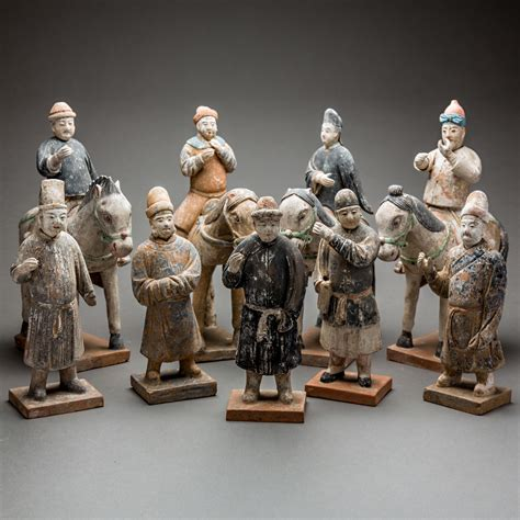 Set Ming Ming ming painted terracotta set consisting of five figures and four and riders barakat