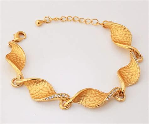 Gold Bracelets for Women   5 Recommended Luxurious Brands of Gold Bracelets