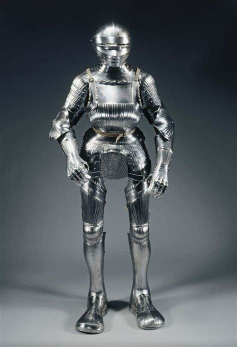 field armor in maximilian style c 1510 1515 germany