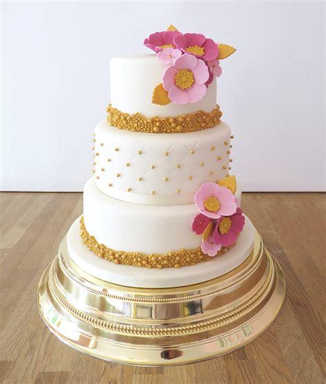Wedding Cake Flowers Uk by Wedding Cakes The Cakery Leamington Spa
