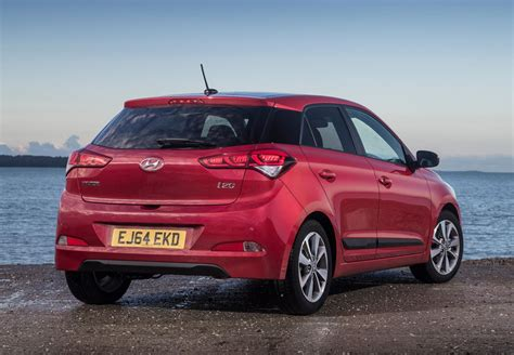 hatchback hyundai hyundai i20 hatchback review 2015 parkers