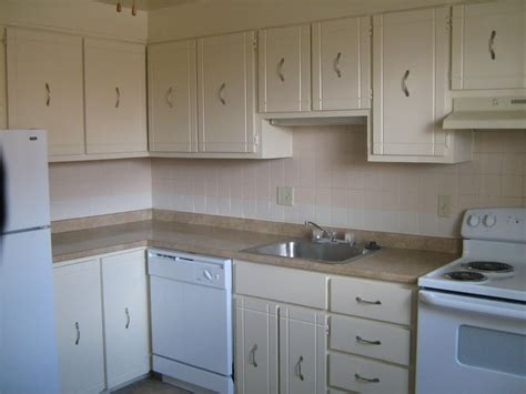 white cabinets with white appliances beige kitchen cabinets with white appliances quicua com