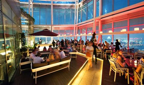 Roof Top Bar Singapore by Rooftop Bars In Singapore Swanky Sky High Spots