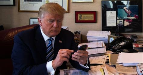 donald trump phone trump is tweeting from both a new iphone and android