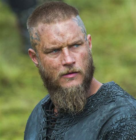 what is going on with travis fimmels hair in vikings travis fimmel in vikings 9 legendary beards of