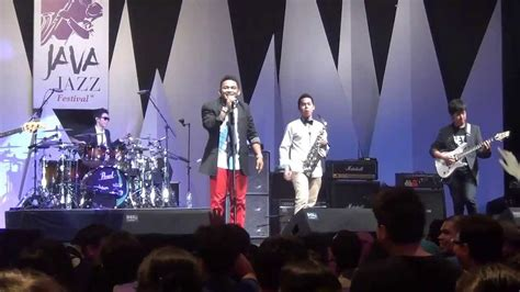 bento cover by iyr java jazz festival 2013 by napakboemi risalah hati cover by iyr java jazz festival 2013