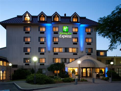 holiday inn express boston waltham hotel by ihg