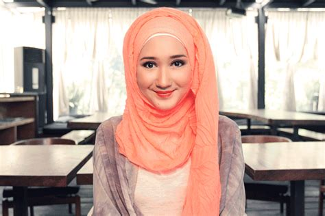 tutorial hijab pramugari ala dian pelangi tutorial hijab casual ala dian pelangi trend 2017 jallosi
