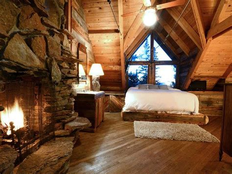 Cozy Cabins by 10 Cozy Cabins To Escape To This Winter Lakes