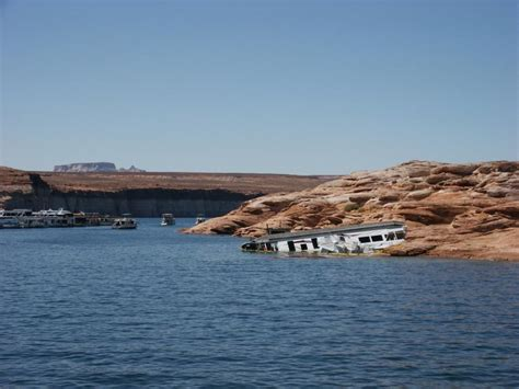 houseboat accident house boats lake powell photos