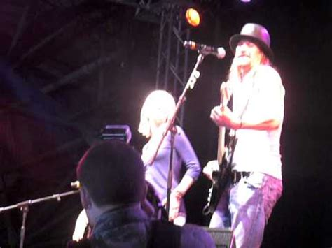 kid rock uso kellie pickler and kid rock uso tour in raf lakenheath
